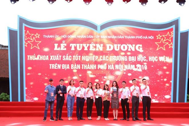 Thủ khoa xinh đẹp trường Kinh tế Quốc dân khiến dân tình choáng váng vì thành tích học tập siêu đỉnh, học 3.5 năm đã tốt nghiệp ĐH - Ảnh 4.