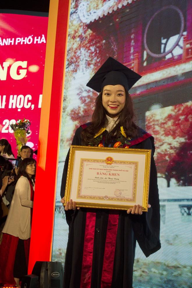 Thủ khoa xinh đẹp trường Kinh tế Quốc dân khiến dân tình choáng váng vì thành tích học tập siêu đỉnh, học 3.5 năm đã tốt nghiệp ĐH - Ảnh 5.