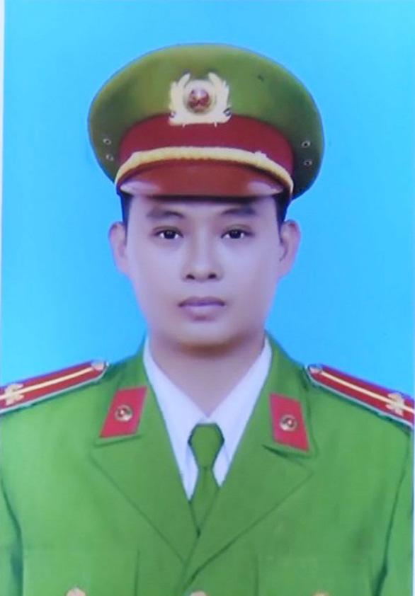 Thăng hàm trước hạn cho trung uý công an tử vong khi truy đuổi trộm ở tỉnh Long An - Ảnh 1.