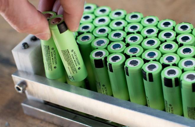 Thiết kế ngược đời của pin lithium-ion mới: sạc nóng ở 60 độ C chỉ 10 phút là đầy - Ảnh 2.