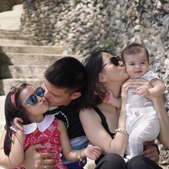 Mỹ nhân đẹp nhất Philippines Marian Rivera khoe ảnh gia đình 4 người, ai nấy đều phải thốt lên vì nhan sắc tuyệt phẩm - Ảnh 1.