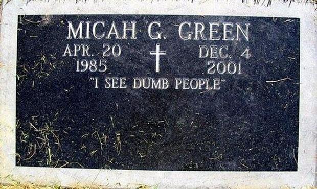 Những câu nói cực lầy khắc trên bia mộ khiến Thượng đế cũng phải cười khi đọc được - Ảnh 11.