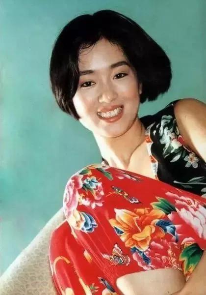 Nhìn lại loạt ảnh tuổi 20 của Củng Lợi, người từng được giới báo chí quốc tế ưu ái gọi là người phụ nữ đẹp nhất phương Đông - Ảnh 13.