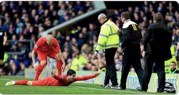 Đại chiến Liverpool vs Man City, Madio Sane hãy ăn vạ trước Pep - Ảnh 2.