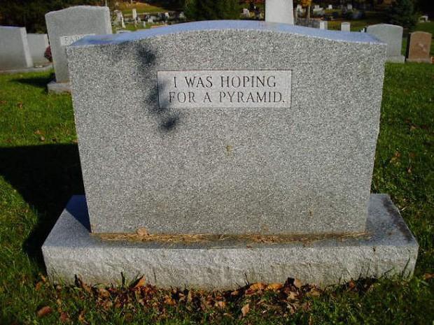 Những câu nói cực lầy khắc trên bia mộ khiến Thượng đế cũng phải cười khi đọc được - Ảnh 3.