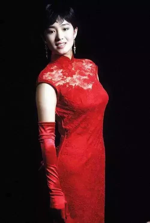 Nhìn lại loạt ảnh tuổi 20 của Củng Lợi, người từng được giới báo chí quốc tế ưu ái gọi là người phụ nữ đẹp nhất phương Đông - Ảnh 4.