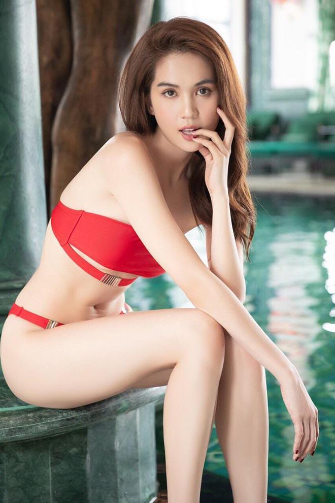 Ngọc Trinh mặc bikini đỏ rực, đầy nóng bỏng - Ảnh 2.