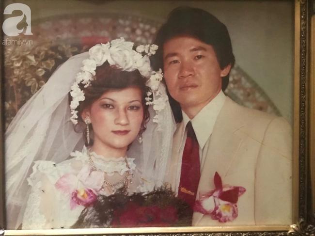 Bí quyết chinh phục cô tiểu thư nhà giàu của chàng thanh niên xa xứ: Tỏ tình mà vẫn cành cao, kết quả là một đám cưới rình rang và cuộc hôn nhân mật ngọt suốt 43 năm - Ảnh 3.