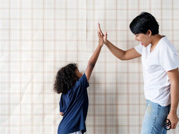 Giáo sư ĐH Harvard: Cha mẹ cứ làm tốt 8 vai trò này, con thành công là điều tất yếu - Ảnh 3.