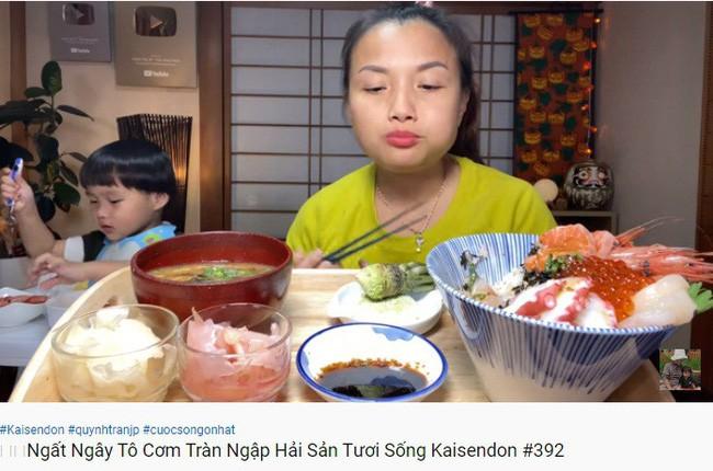 Những món ăn chỉ ở Nhật mới có xuất hiện trên kênh Youtube của Quỳnh Trần JP, đặc biệt nhất là món có mùi thối và đồ ăn sống - Ảnh 3.