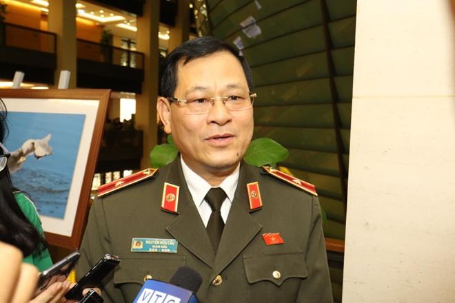 Tướng Nguyễn Hữu Cầu: Bà nội giết cháu ở Nghệ An khai nhờ cháu cọ lưng rồi đẩy xuống hồ - Ảnh 1.