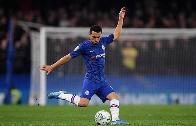 Chelsea tống khứ hai ông kễnh Giroud và Pedro - Ảnh 2.