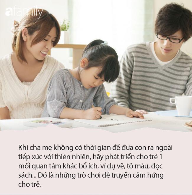 Mẹ ơi, con muốn dùng điện thoại, câu trả lời của 2 bà mẹ quyết định tính cách tương lai của 2 đứa trẻ - Ảnh 4.