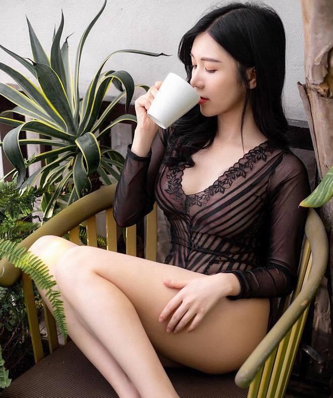 2 mỹ nhân của Quang Lê: Người là vợ cũ Hồ Quang Hiếu, người liên tục bị ném đá' vì mặc phản cảm - ảnh 14