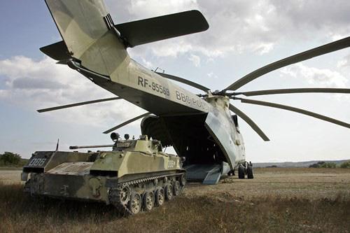 Ngấm đòn từ Ukraine, Nga xót xa nhìn trực thăng lớn nhất thế giới phải nằm đất - ảnh 16