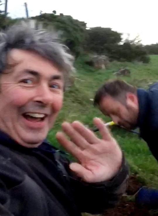 Paul đã mừng phát khóc trước phát hiện bất ngờ.