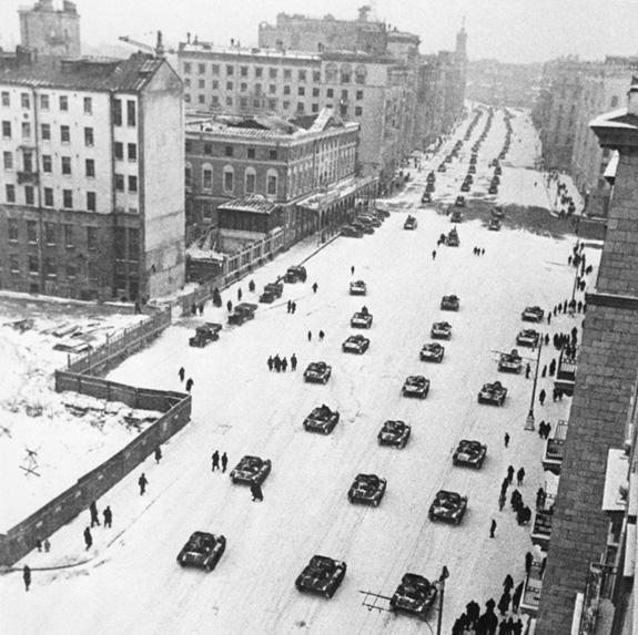 Tại sao Liên Xô lại tổ chức lễ duyệt binh lịch sử năm 1941? - ảnh 4