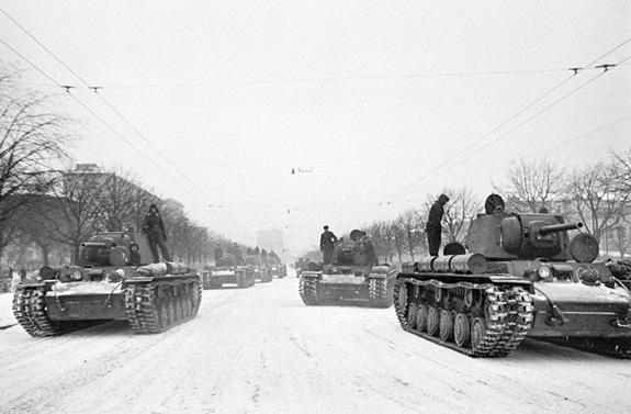 Tại sao Liên Xô lại tổ chức lễ duyệt binh lịch sử năm 1941? - ảnh 5