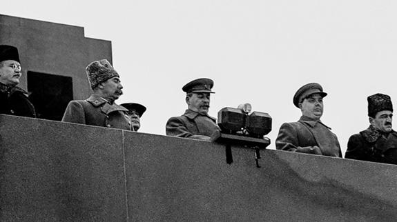 Tại sao Liên Xô lại tổ chức lễ duyệt binh lịch sử năm 1941? - ảnh 6
