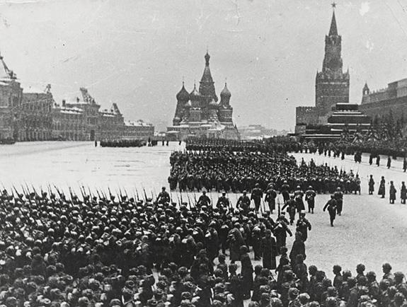 Tại sao Liên Xô lại tổ chức lễ duyệt binh lịch sử năm 1941? - ảnh 7