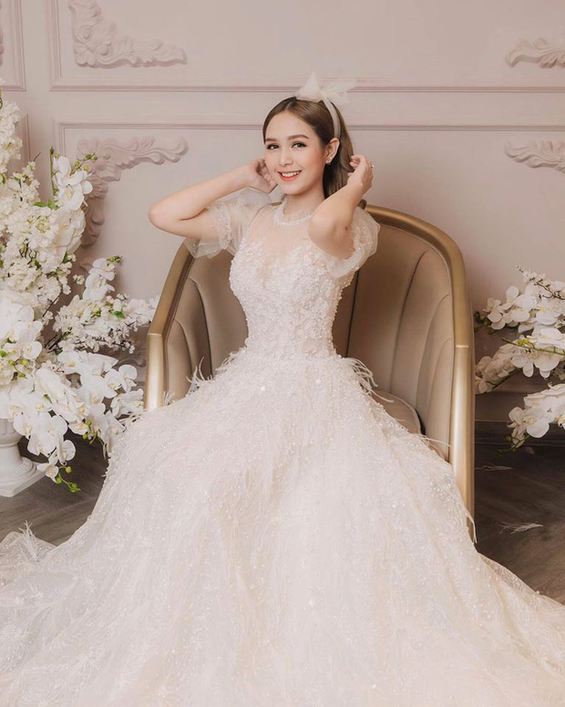 Chị dâu 10x của Diệp Lâm Anh: Nhan sắc xinh như hot girl, là gương mặt quen thuộc trong các MV ca nhạc, phim sitcom - ảnh 15