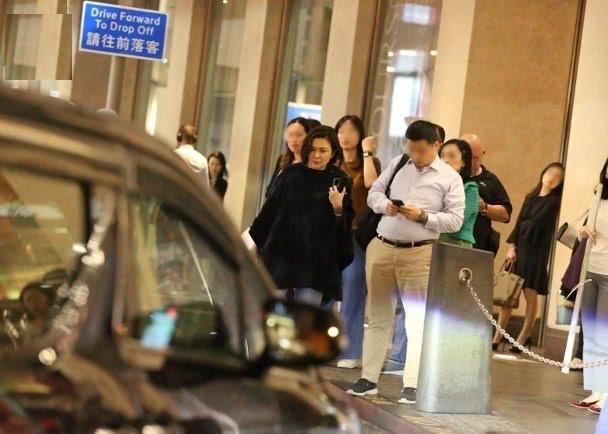 Quan Chi Lâm: Người đẹp săn đại gia cô độc ở tuổi U60, di chúc 1.400 tỷ cho em trai - Ảnh 9.