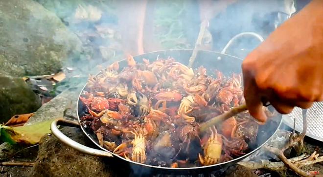 Youtuber nghị lực nhất Việt Nam: ở nhà tre nứa, làm phụ hồ nhưng vẫn gây dựng được channel ẩm thực hơn 760k subscribers - Ảnh 31.