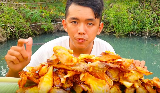 Youtuber nghị lực nhất Việt Nam: ở nhà tre nứa, làm phụ hồ nhưng vẫn gây dựng được channel ẩm thực hơn 760k subscribers - Ảnh 35.