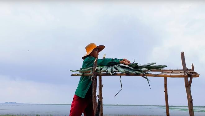 Youtuber nghị lực nhất Việt Nam: ở nhà tre nứa, làm phụ hồ nhưng vẫn gây dựng được channel ẩm thực hơn 760k subscribers - Ảnh 7.