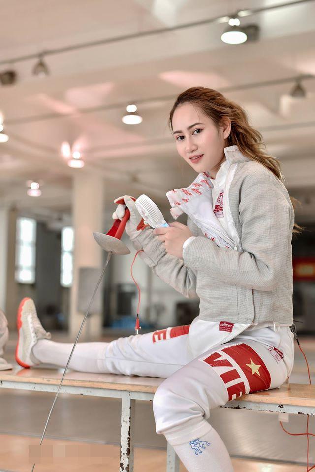 Nữ VĐV đấu kiếm Việt Nam cực hot tại SEA Games 30: Tài năng và sở hữu ngoại hình quyến rũ - Ảnh 9.
