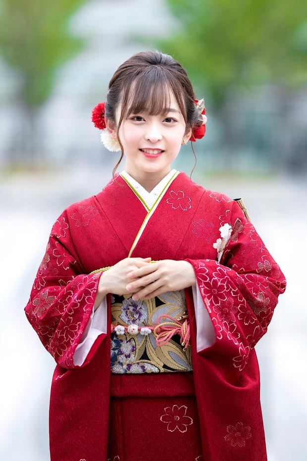 Nữ sinh Nhật cao 1m46 vẫn giật giải Hoa khôi vì xinh như búp bê, khiến hội con trai bùng lên cảm giác muốn bảo vệ - Ảnh 2.