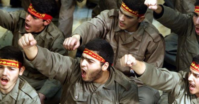 CẬP NHẬT: Tiêm kích Nga đánh chặn cường kích Israel ở Syria, 500 xe quân sự Mỹ ào ạt tiến vào Iraq - Ảnh 1.