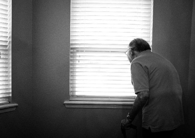 Sợ phải sống cô đơn không ai trò chuyện, người đàn ông sinh hoạt với thi thể của bố suốt gần 1 tháng và căn bệnh đáng sợ của xã hội Nhật - Ảnh 2.