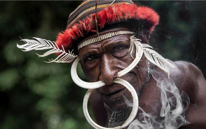 Những hủ tục kì lạ và đáng sợ của Dani - bộ tộc ăn thịt người trong truyền thuyết - Ảnh 1.