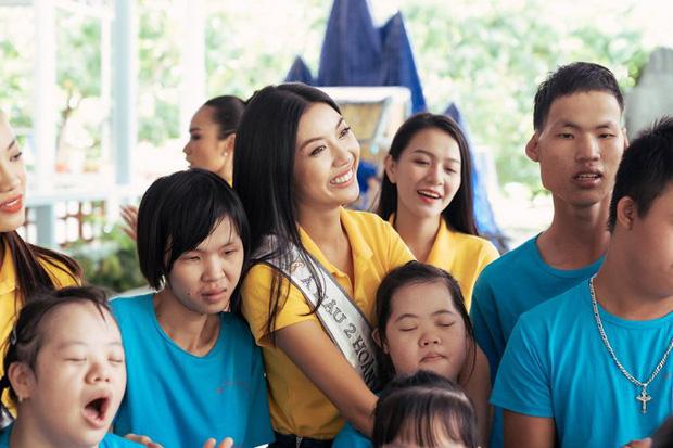 Hoa hậu Khánh Vân và 2 Á hậu tham gia hoạt động đầu tiên hậu đăng quang: Giản dị mà đẹp quá, ai nhỉnh hơn trong một khung hình? - Ảnh 4.