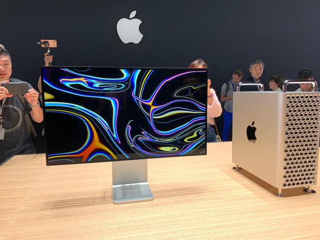 Apple ra mắt Mac Pro: Phiên bản mạnh nhất có giá bán 1,2 tỷ đồng, riêng bộ phụ kiện bánh xe bán kèm đã có giá 2,3 triệu đồng/chiếc! - Ảnh 2.