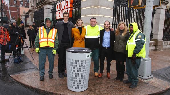 Đây là thiết kế thùng rác mới vừa được thành phố New York chọn để sử dụng trong tương lai - Ảnh 1.