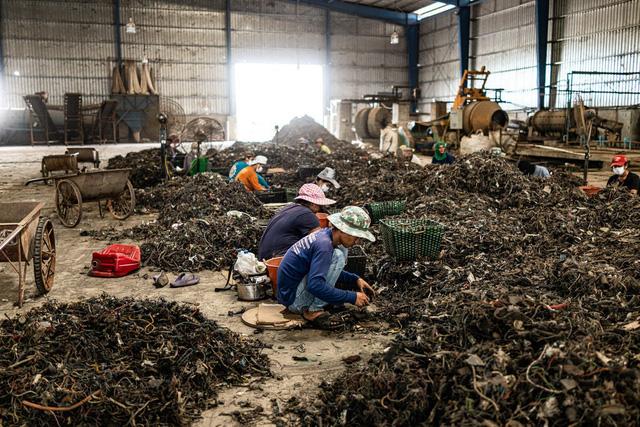 Trung Quốc ngừng nhập, Thái Lan ngập trong rác thải điện tử và đang phải trả giá đắt - Ảnh 2.