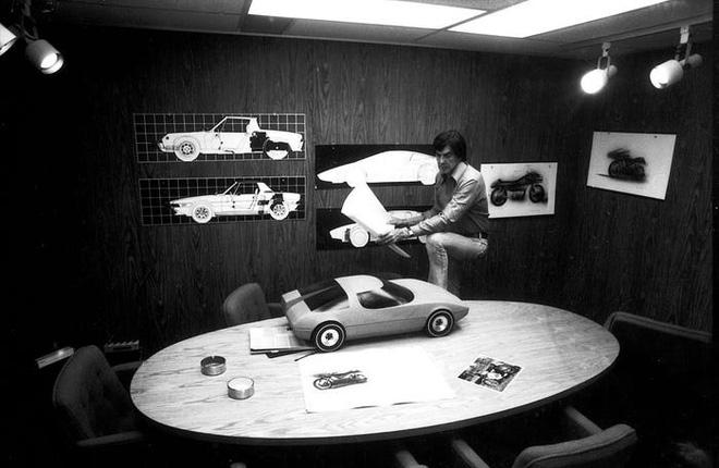 Trước Tesla Cybertruck, chỉ có duy nhất 1 chiếc xế hộp bọc thép không gỉ, được sản xuất từ tận năm 1983 - Ảnh 9.