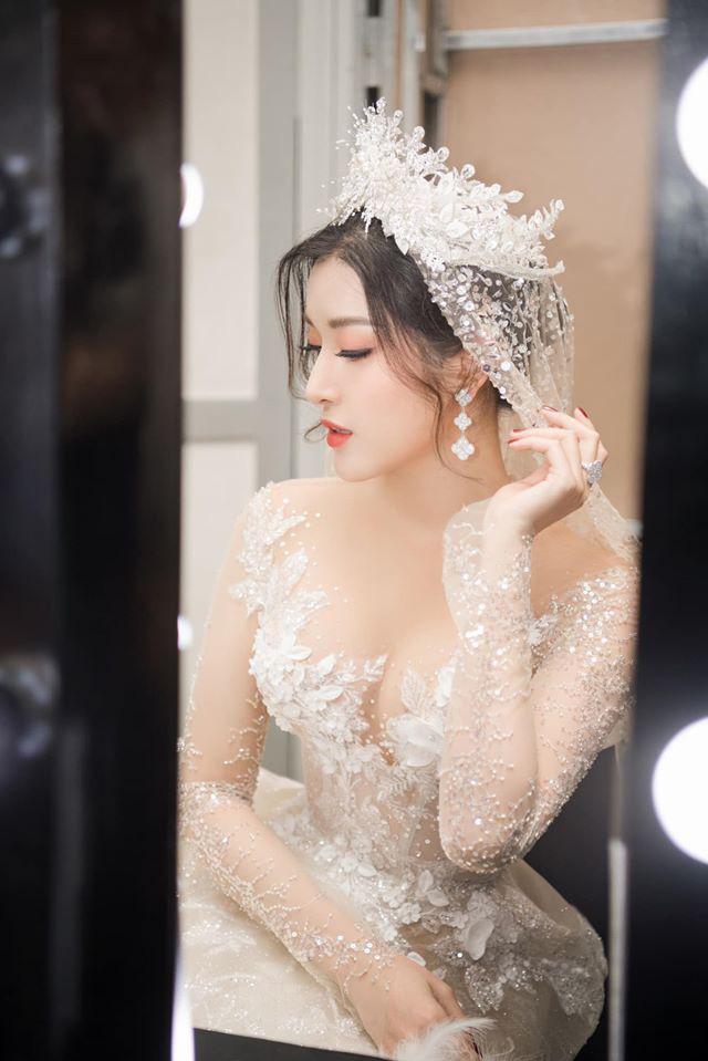 Á Hậu Huyền My lo lắng vì mặc váy cô dâu quá nhiều lần - ảnh 8