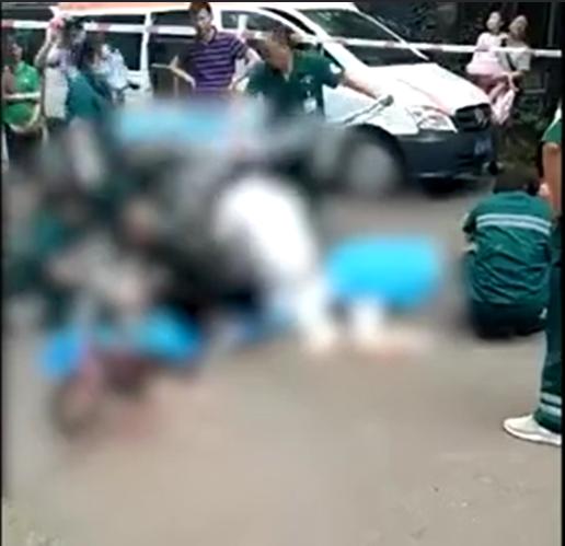 Nam thanh niên nhảy lầu rơi trúng hai bà cháu đi đường, cả 3 tử vong - Ảnh 1.