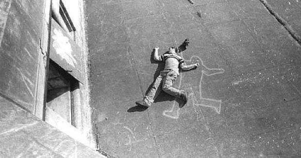 Vụ án hack não nhất mọi thời đại: Nhảy lầu từ tầng 10, qua tầng 9 bị đạn lạc bắn chết và những cú twist cuối cùng khiến ai cũng phải ngỡ ngàng - Ảnh 1.