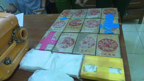 Khởi tố vụ án 25 bánh heroin trôi vào bờ biển ở Quảng Nam - Ảnh 1.