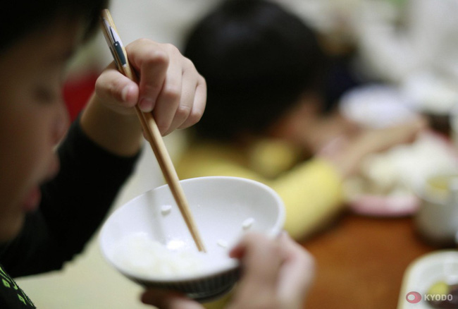 Nhiều đứa trẻ Nhật Bản thích ở nhà người khác hơn ở nhà mình.