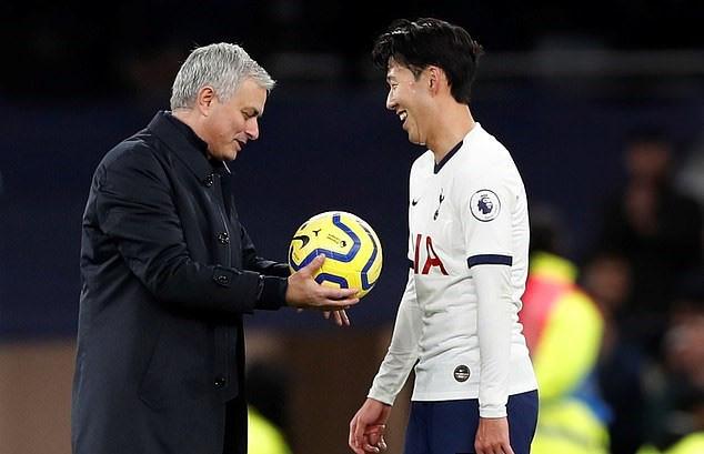 Liverpool phá đám MU, Mourinho dọa đối thủ C1 - Ảnh 2.