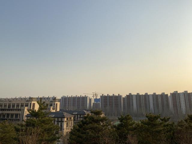 Đông dân như Trung Quốc còn bế tắc trong tình trạng khủng hoảng nhà ở giá rẻ: Mọc lên như nấm nhưng không ai mua, hạ giá kịch sàn vẫn ế hàng vì chất lượng quá tệ - Ảnh 3.