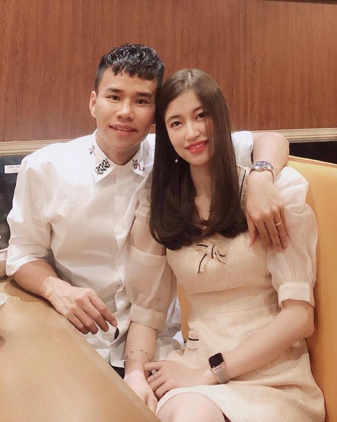 Dàn bạn gái cầu thủ Việt: Toàn con nhà trâm anh thế phiệt, xinh đẹp hơn người lại còn sở hữu học vấn siêu đỉnh - Ảnh 17.