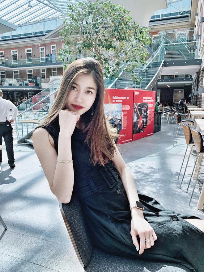 Dàn bạn gái cầu thủ Việt: Toàn con nhà trâm anh thế phiệt, xinh đẹp hơn người lại còn sở hữu học vấn siêu đỉnh - Ảnh 19.