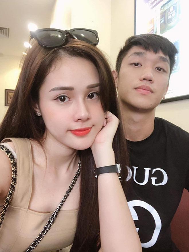 Dàn bạn gái cầu thủ Việt: Toàn con nhà trâm anh thế phiệt, xinh đẹp hơn người lại còn sở hữu học vấn siêu đỉnh - Ảnh 22.