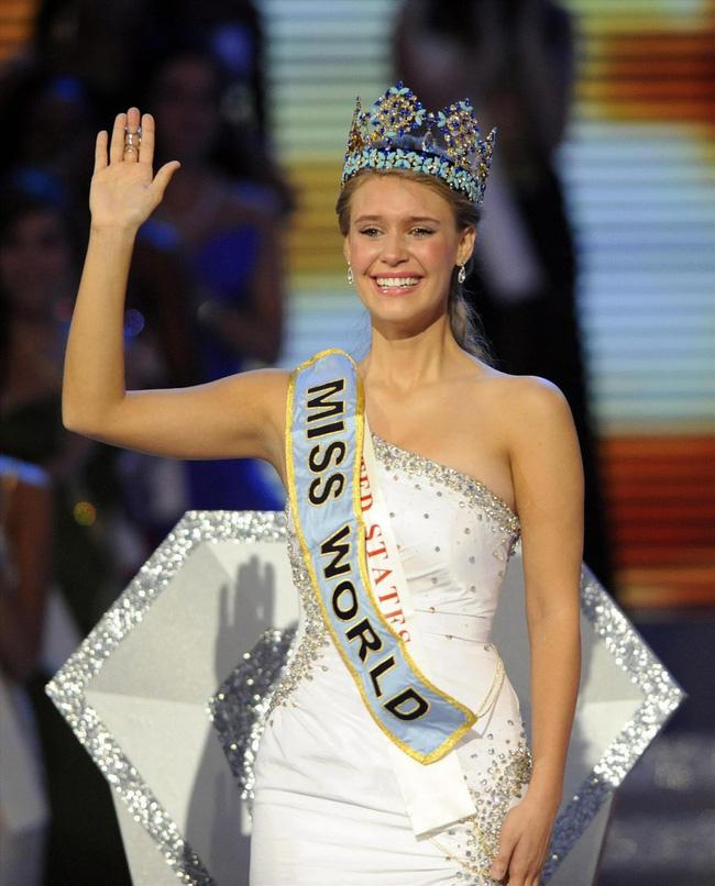 Nhìn lại nhan sắc của các người đẹp đăng quang Hoa hậu Thế giới trong những năm gần đây: Nổi bật nhất phải nói tới mỹ nhân đến từ Trung Quốc này - Ảnh 4.